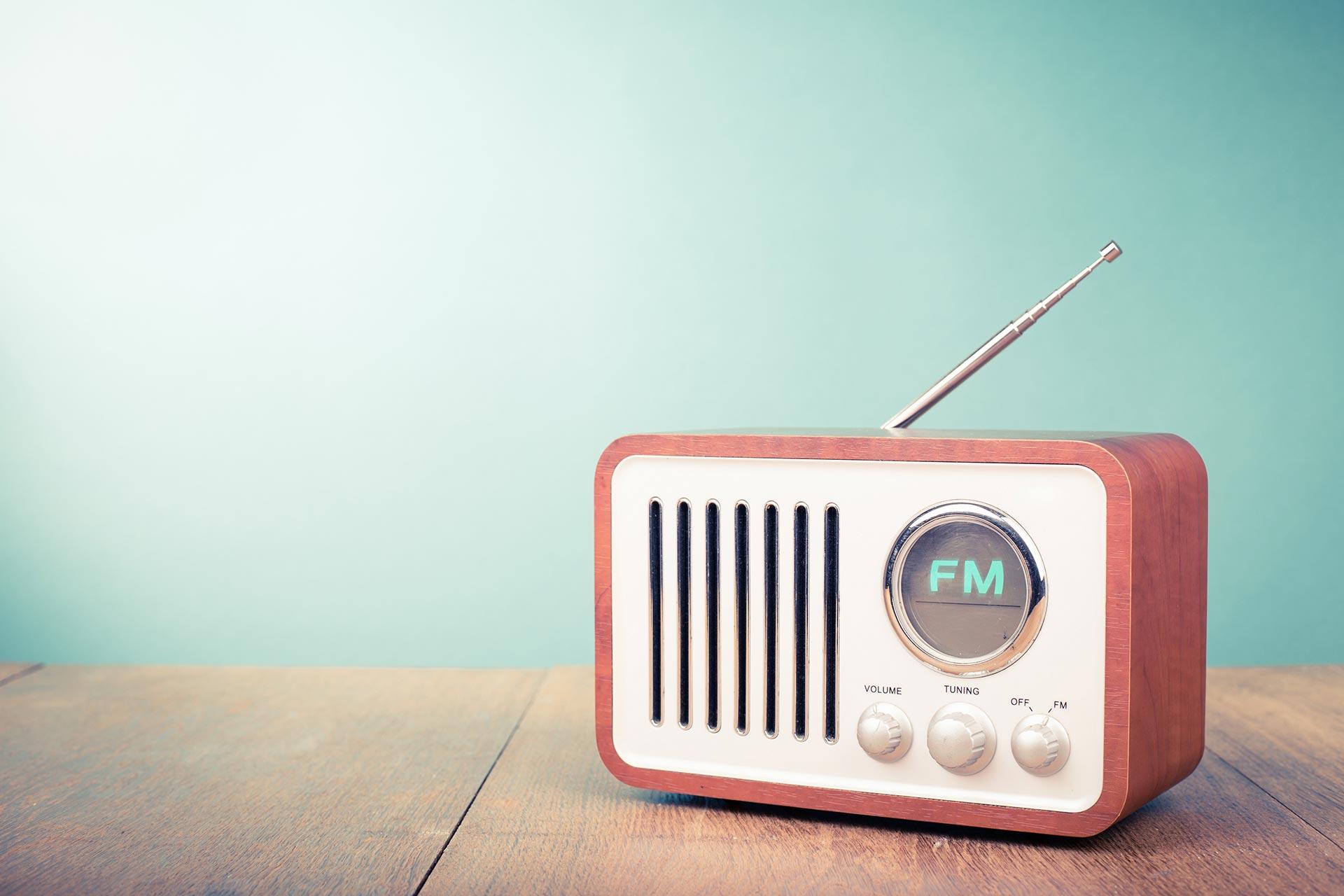 Le SPS s'allie aux radios en région pour sortir de l'isolement les personnes victimes d'illectronisme