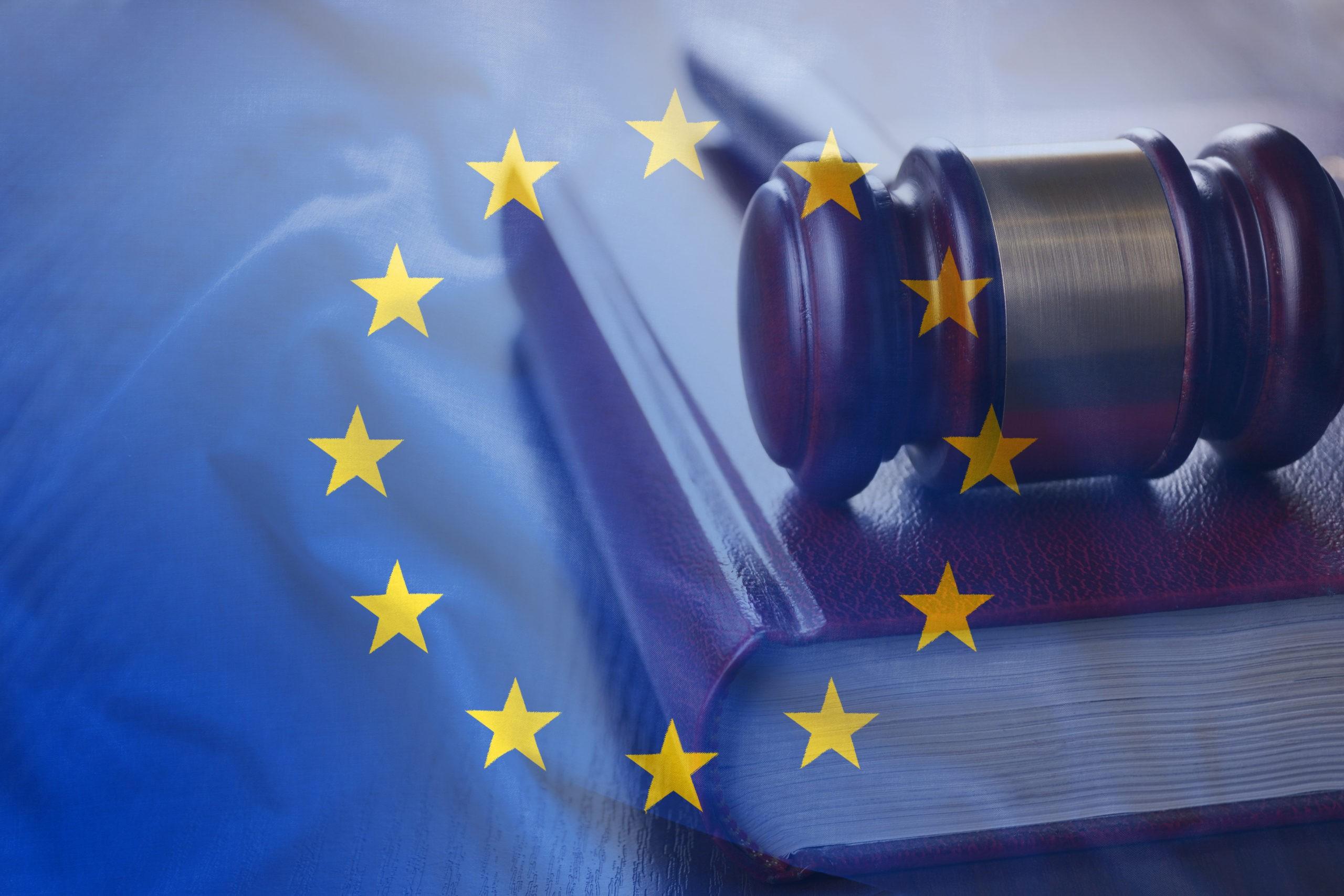 La justice de l'Union européenne invalide le dispositif «Privacy Shield» permettant aux acteurs situés dans l'Union européenne d'exporter des données personnelles aux États-Unis