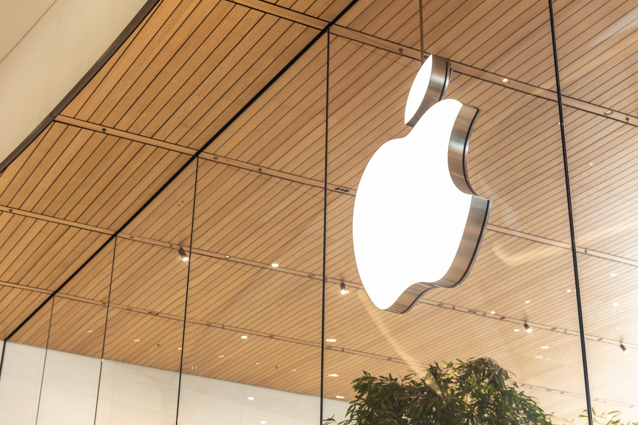Les éditeurs de presse interpellent Tim Cook (PDG d'Apple) pour le respect d'un « fair play numérique »
